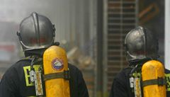V objektu kladenské pekárny unikl čpavek, hasiči objekt vyčistili