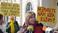 Slovenské aktivistky vyčítají Ficovi sexistické vtipy k MDŽ