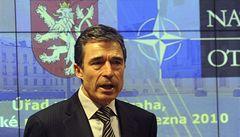 Šéf NATO vyzval ČR k pomoci v Afghánistánu, Paroubek ji odmítá