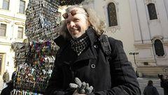 Jiří David odhalil sedmimetrovou sochu, kterou tvoří 85.000 klíčů