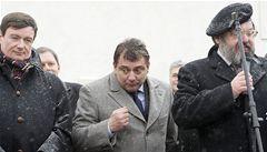 Odpůrci ČSSD se Paroubkovi hlásí sami. Posílají mu fotky