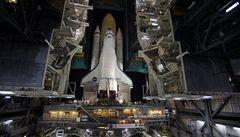 Raketoplán Discovery opět neodletí. V palivové nádrži měl trhliny