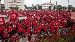 Masová demonstrace v Bangkoku: davy volají po rezignaci thajské vlády