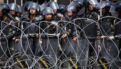 Thajská vláda nechce odstoupit, statisícová demonstrace pokračuje
