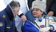Sojuz přistál se dvěma kosmonauty. Ve vesmíru byli půl roku