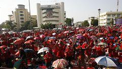 Ochromený Bangkok: Statisíce demonstrantů volají po rezignaci vlády