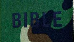 V létě vyjde Bible do nepohody. Voděodolná a ohybatelná