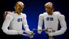NASA chce na oběžnou dráhu ještě letos poslat roboty podobné člověku