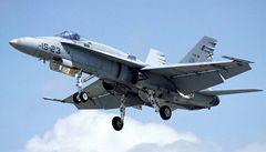 Sopečný mrak ohrozil i armádní letoun. Finská stíhačka měla problémy