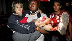 Krvavá lázeň v Bangkoku, stovky zraněných po demonstracích