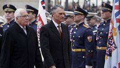 Praha portugalského prezidenta už nebaví, domů jede autem