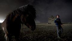 Jako v zemi Mordor. Je tu tma jak v noci, říkají farmáři, kteří žijí u sopky