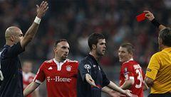 Prezident Bayernu se opřel do UEFA, Ribéryho trest je přísný