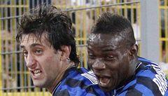 VIDEO: Inter získal první trofej, římský Totti duel nedohrál. Nakopl soupeře