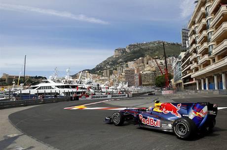 Mark Webber vytvořil rekord slavného okruhu v Monaku a odstartuje první