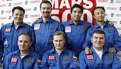 Tým dobrovolníků pro simulaci letu na Mars je kompletní