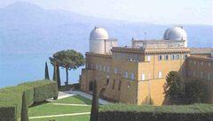 Vatikánský astronom se chce přiblížit Bohu
