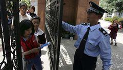 Další krvavý útok v čínské škole: muž ubodal sedm dětí a jejich učitelku