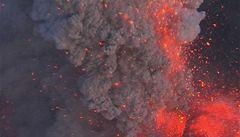 Islandská sopka znovu chrlí. Letecký prostor nad severní Anglií uzavřen