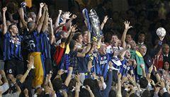 Liga mistrů otevírá své brány, o první body hrají Inter, United i Barcelona