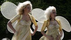 Lotyšskou metropolí prošla armáda blondýn v růžovém