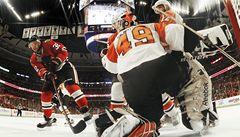 VIDEO: Boj o Stanley Cup začal nevídanou přestřelkou. Vyhrálo ji Chicago