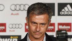 Mourinho unikl útoku. Neznámý muž se jej pokusil bodnout