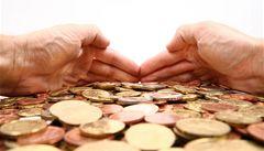 mBank už nebude bankou bez poplatků, od srpna začne zdražovat