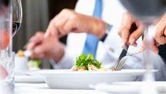 Hospody lákají na menší porce pro hosty s bandáží žaludku