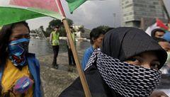 Tisíce lidí demonstrovaly proti izraelskému námořnímu zásahu