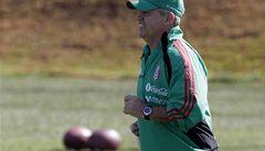 Jak vyzrát na Jabulani? Mexičané trénují s míči na americký fotbal