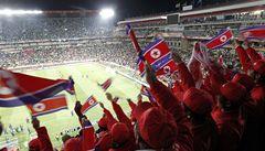 Místo Korejců fandili KLDR Číňané. Měli to nařízeno