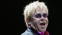Po pěti letech v Praze vystoupil Elton John, chystá se i do Izraele