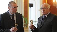 Klaus jmenoval do čela ČNB svého oblíbence, euroskeptika Singera