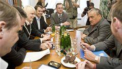 Koalice chce dohodu o nové vládě do 7. července