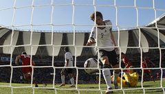 Další překvapení. Oslabení Němci padli se Srby 0:1, nepomohla ani penalta