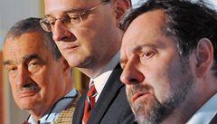 Voliči vybrali Věci veřejné a TOP 09 často jako 'nejmenší zlo'