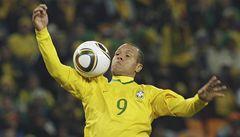 VIDEO: Fabiano a boží ruka? Ne, ne. Paží si míč jen zpracoval, tvrdí Maradona