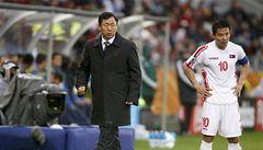 FIFA bude vyšetřovat KLDR kvůli trestům pro hráče a trenéra
