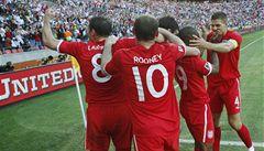 Anglie vyhrála a postupuje. Američany spasil gól z 91. minuty