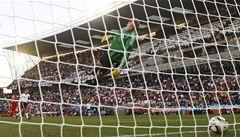 Také fotbaloví fanoušci mají jasno: zaveďte video! Jak zareaguje FIFA?
