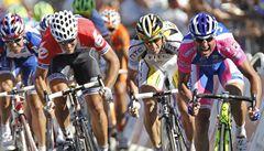 První etapu Tour vyhrál po hromadných pádech ve spurtu Petacchi