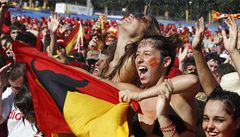 Španělští šampioni jsou doma, při oslavách ale zemřeli dva fanoušci
