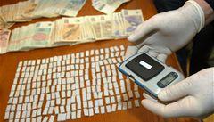 Bavorská policie zadržela český kamion se 150 kilogramy heroinu
