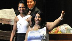 Exministryně zahraničí USA Riceová doprovodila na klavír Franklinovou