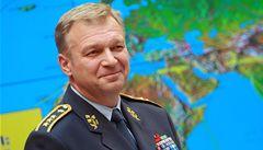 Šéf armády Picek skončí ve funkci, nahradit ho má Petr Pavel