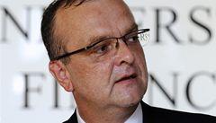 Těsně před volbami strany přitvrdily, posílají letáky o úplatcích