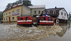 OBRAZEM: V Čechách řádila velká voda, odřízla stovky lidí
