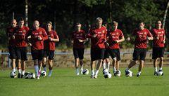 Čeští fotbalisté trénovali na zápas s Litvou, Tomáš Rosický se šetřil