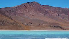 Argentinské jezero může objasnit život na Marsu, našly se tu 'superbakterie'